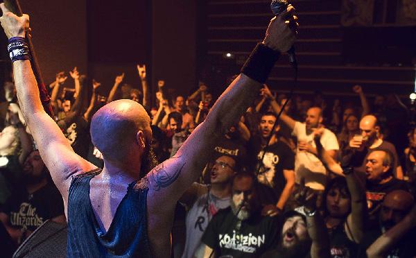 Azero en concierto