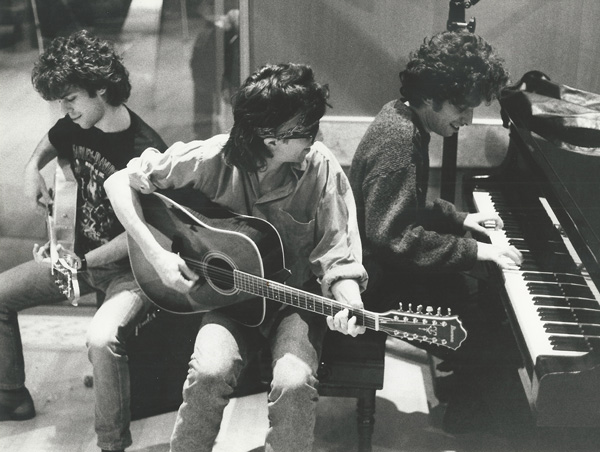 Los Rodríguez grabando Buena Suerte en 1991